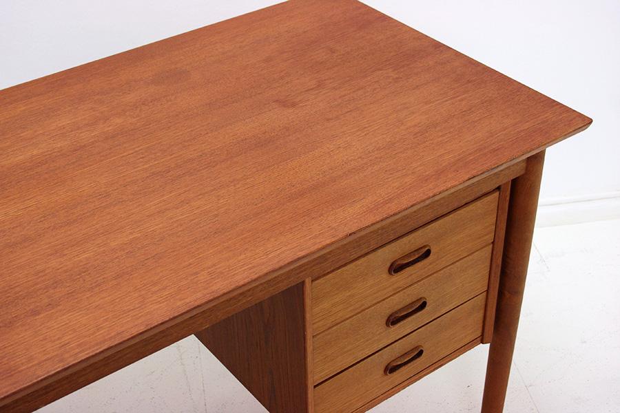 schreibtisch designklassiker neuesten. Black Bedroom Furniture Sets. Home Design Ideas
