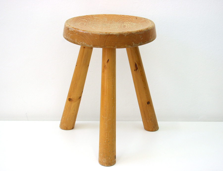 Tabouret charlotte perriand design xxe lausanne suisse - Tabouret charlotte perriand ...