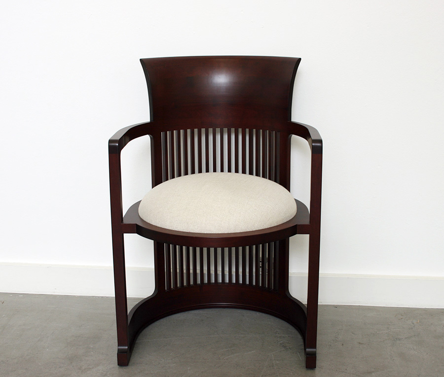 Frank lloyd wright barrel chair cassina lausanne suisse for Frank lloyd wright stile prateria