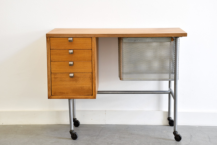 bureau de dactylographe george nelson herman miller. Black Bedroom Furniture Sets. Home Design Ideas