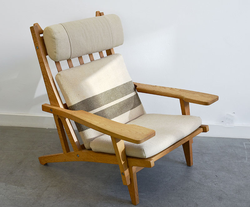 paire de fauteuils ge 375 hans j wegner getama 1969. Black Bedroom Furniture Sets. Home Design Ideas