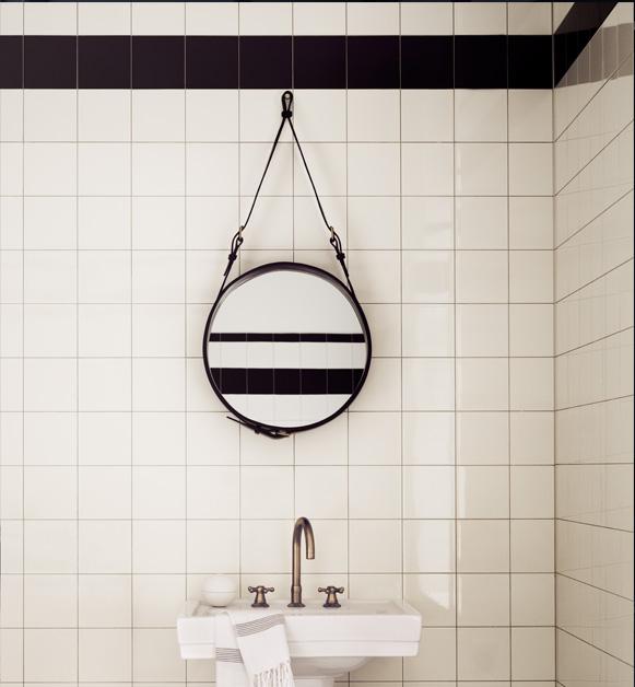 Spiegel Circulaire, S schwarz, Jacques Adnet, Gubi