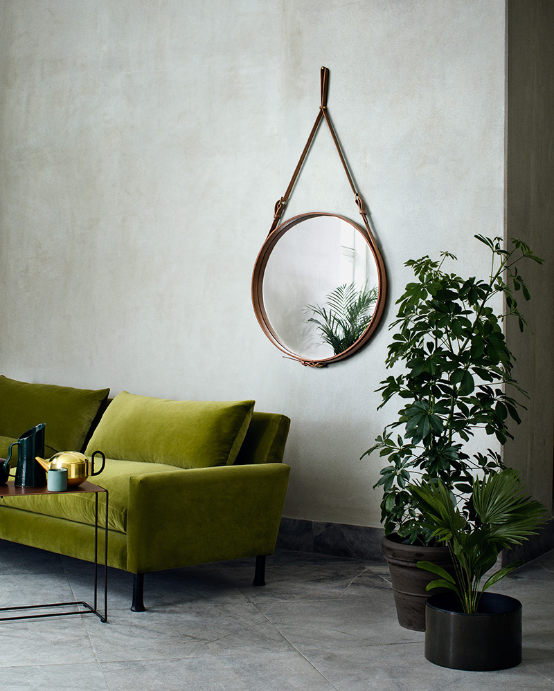 Spiegel Circulaire, Jacques Adnet, Gubi