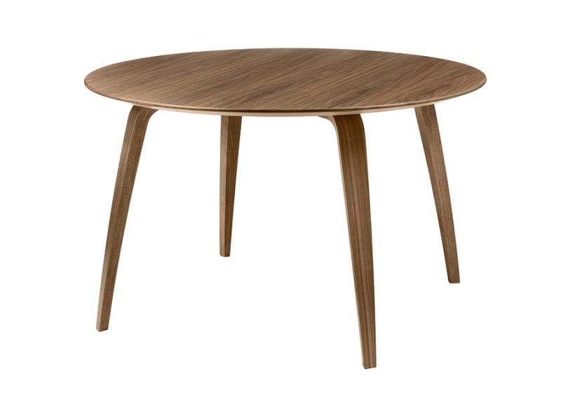 Gubi round dining table, walnut, Komplot Design