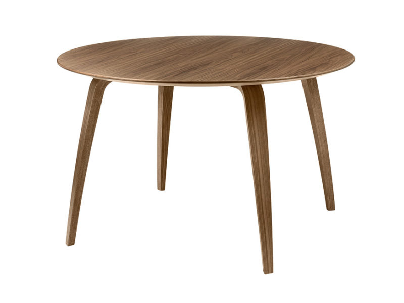 Gubi round dining table, walnut, Komplot Design