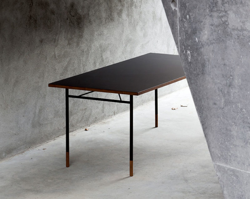 Nyhavn table, linoleum top, Finn Juhl, Onecollection