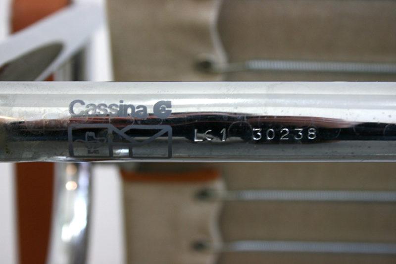 Cassina Seriennummer