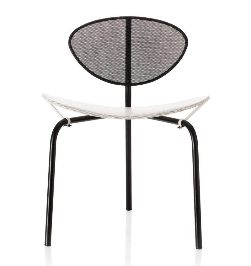 Nagasaki Stuhl, schwarz und weiss, Mathieu Matégot, Gubi