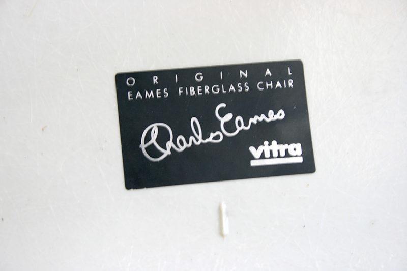 Etiquette Eames, Vitra