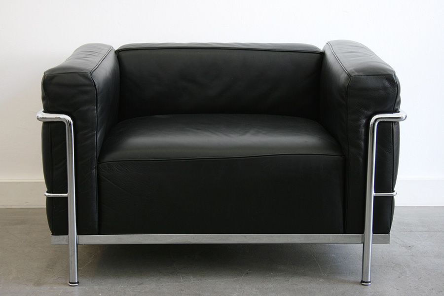 Lc3 le corbusier perriand jeanneret cassina suisse for Fauteuil le corbusier cassina