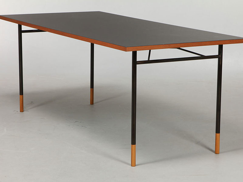 Nyhavn table, Finn Juhl, Onecollection