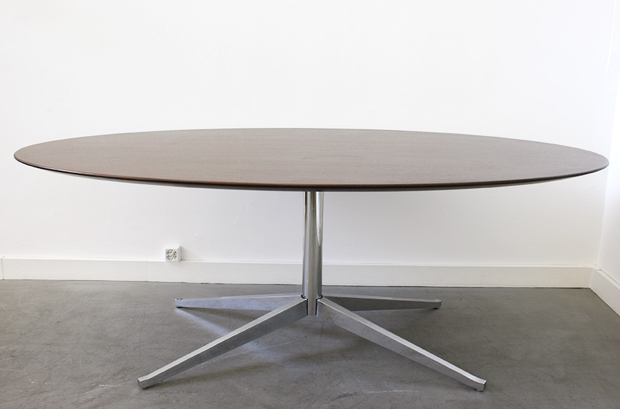 Table ovale florence knoll design xxe lausanne suisse - Saarinen table ovale ...