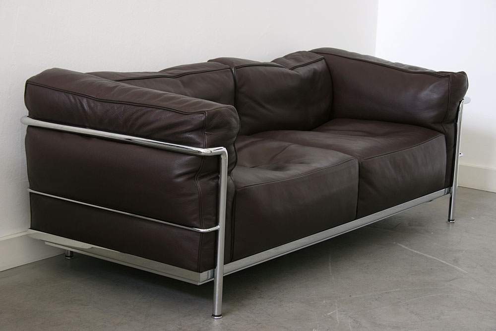 lc3 2 sitzer sofa le corbusier cassina designklassiker schweiz. Black Bedroom Furniture Sets. Home Design Ideas