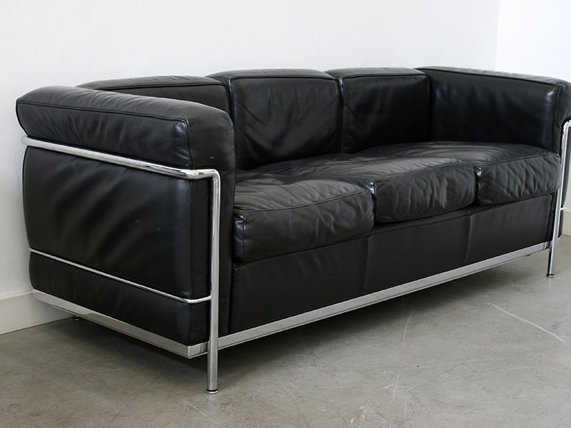 LC2 sofa, 3 seater, Le Corbusier, Pierre Jeanneret, Charlotte Perriand, Cassina