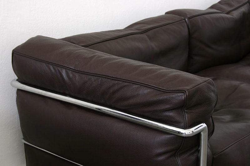 2-seater LC3 sofa, Le Corbusier, Pierre Jeanneret, Charlotte Perriand, Cassina