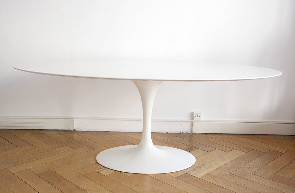 tulip dining table with oval marble top eero saarinen knoll - Saarinen Tulip Table