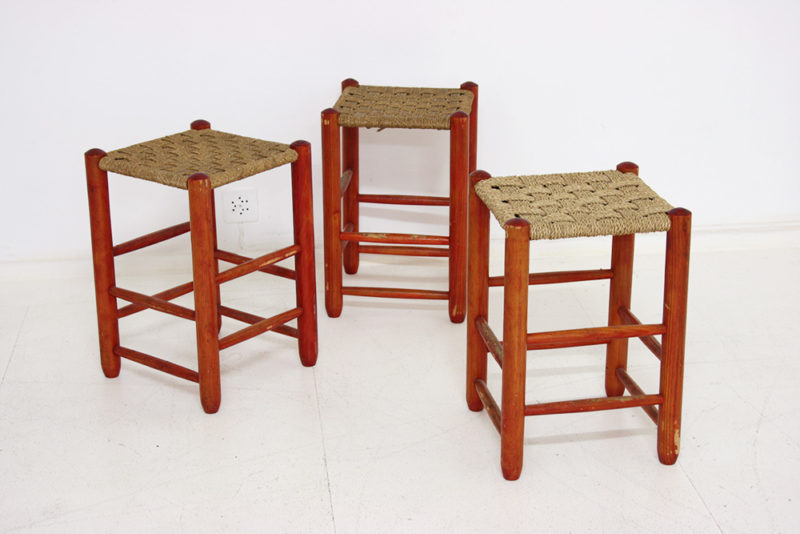3 vintage Hocker, in der Art Charlotte Perriand