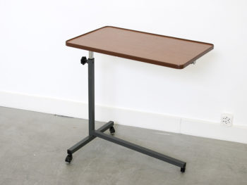 Tablette vintage Vintage side table in the style of Caruelle, Embrudans le goût de Caruelle, Embru