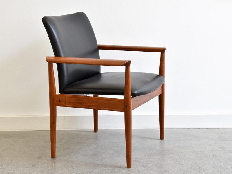 Diplomat armchair FD 901, Finn Juhl, France & Son