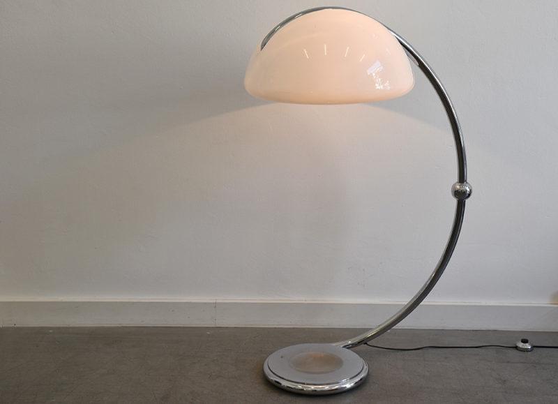 Serpente floor lamp, Elio Martinelli, Martinelli Luce