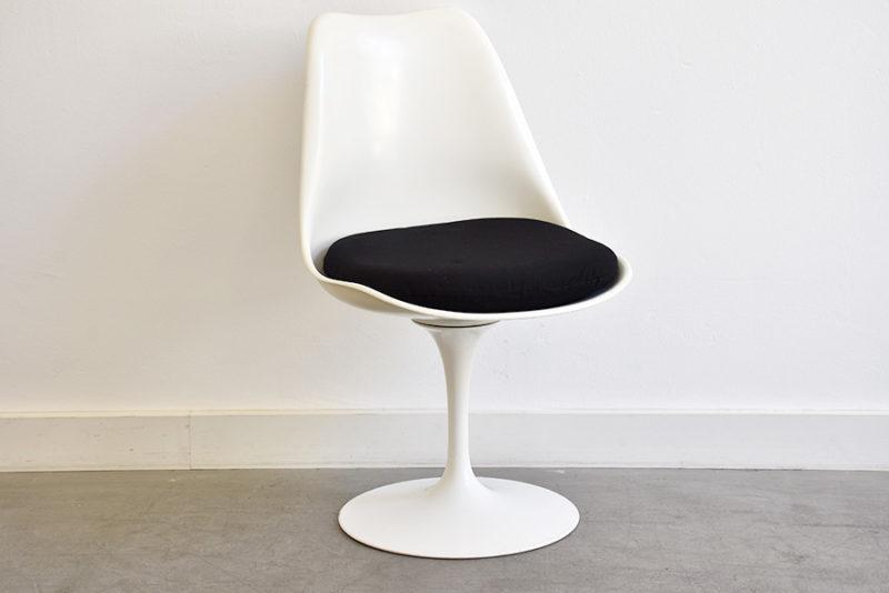 Tulip chairs, Eero Saarinen, Knoll