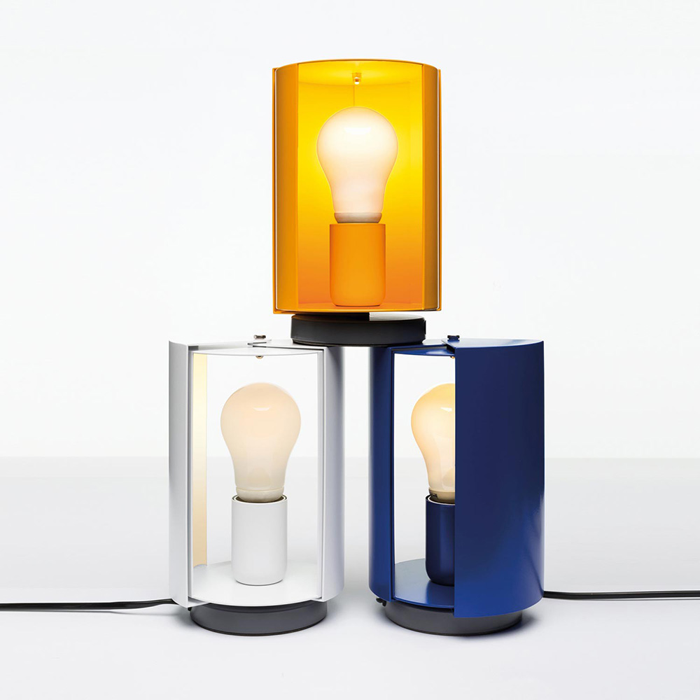 Charlotte perriand lampe pivotante poser nemo design for Lampe a poser but