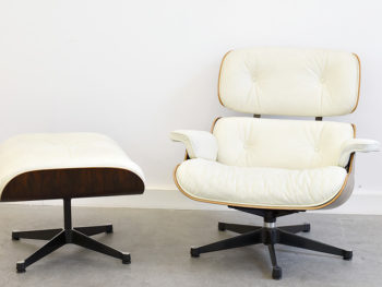Lounge chair avec ottoman (N° 670 & N° 671), Charles & Ray Eames, Vitra. Palissandre et cuir blanc