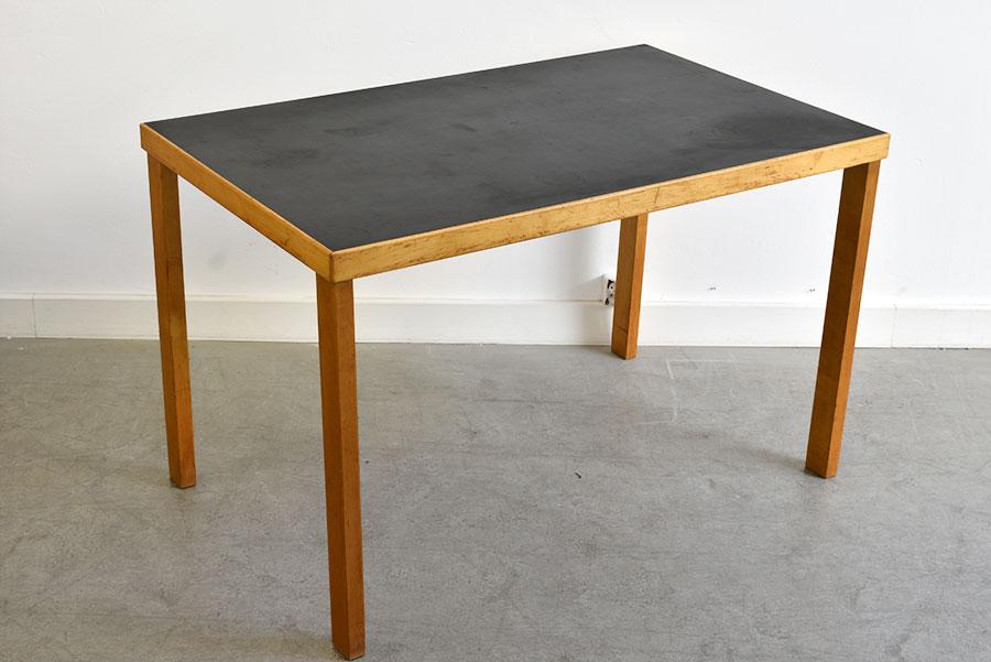 alvar aalto straight legs table huonekalu ja rakennusty tehdas vintage switzerland. Black Bedroom Furniture Sets. Home Design Ideas