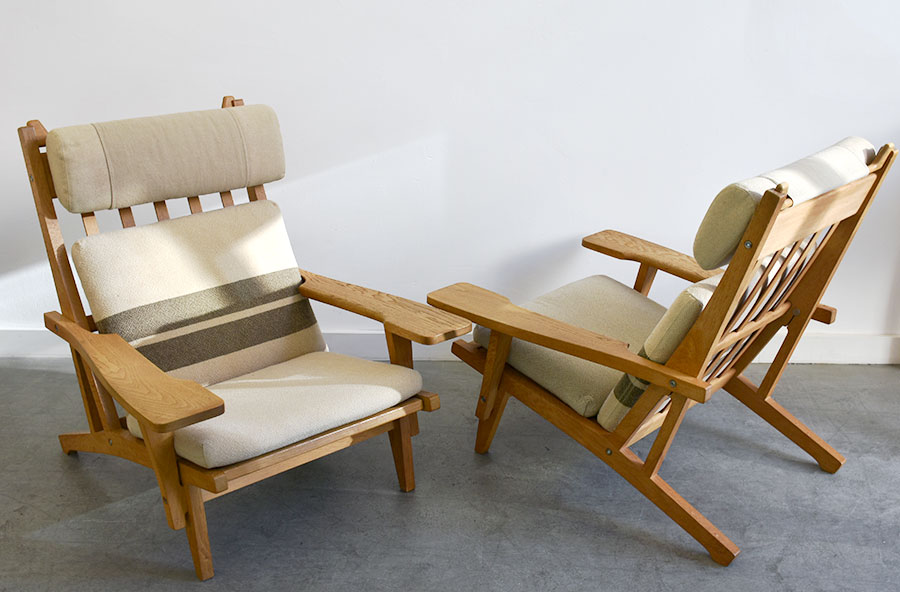 Paire de fauteuils GE-375, Hans J. Wegner, Getama, 1969