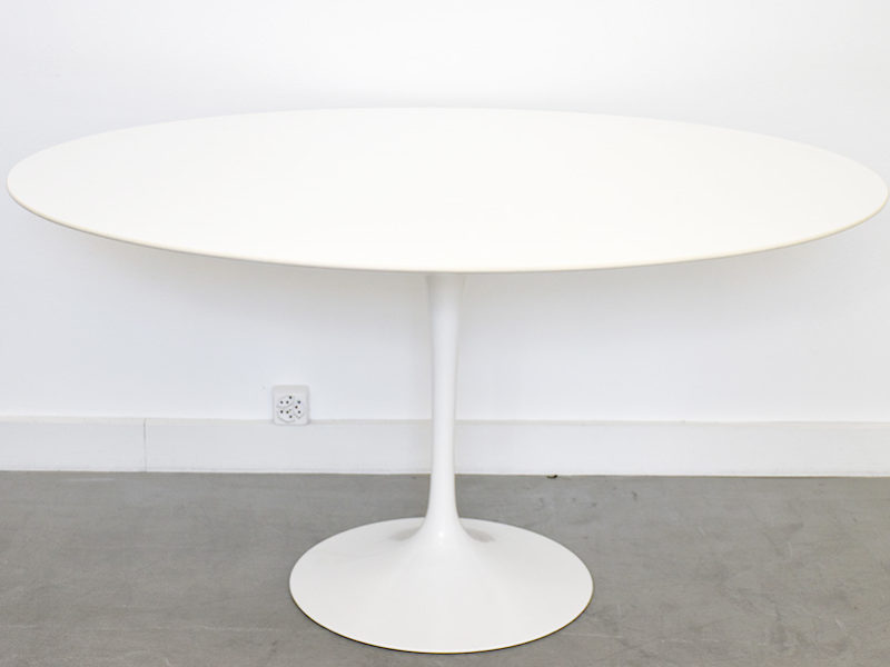 Dining tulip table oval top 137cm, Eero Saarinen, Knoll