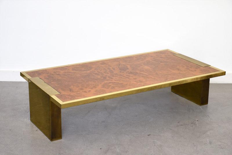 Großer Couchtisch aus Nussbaumholz und Messing, italienisches Design, 1970