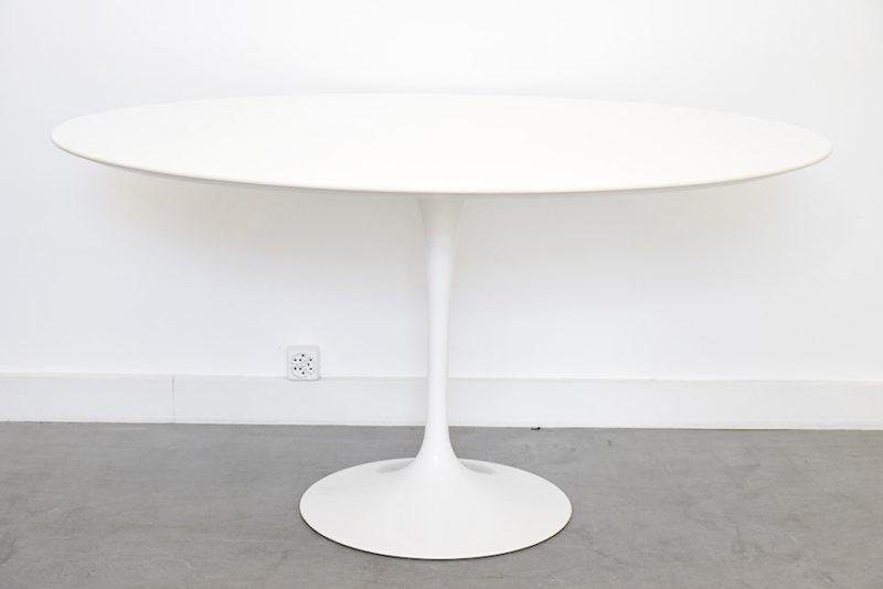 Dining tulip table oval top 137cm, Eero Saarinen, Knoll