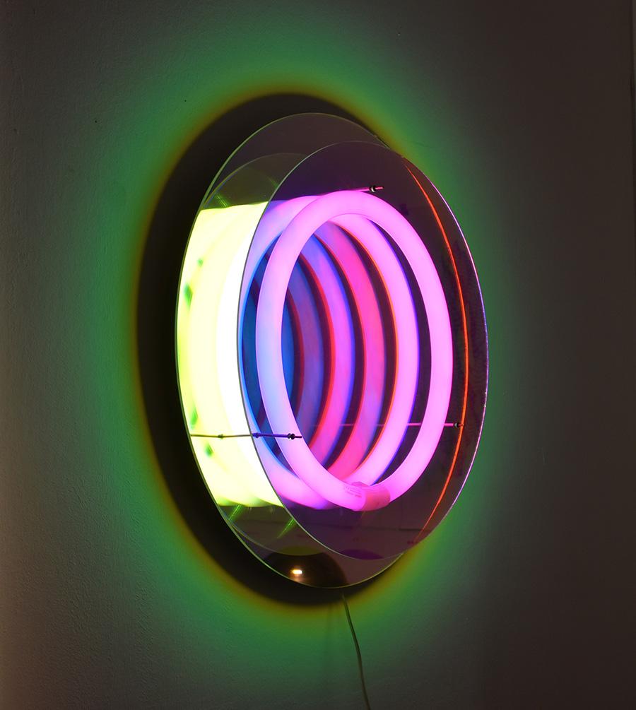 miroir lampe abyss design boris dennler lausanne suisse. Black Bedroom Furniture Sets. Home Design Ideas