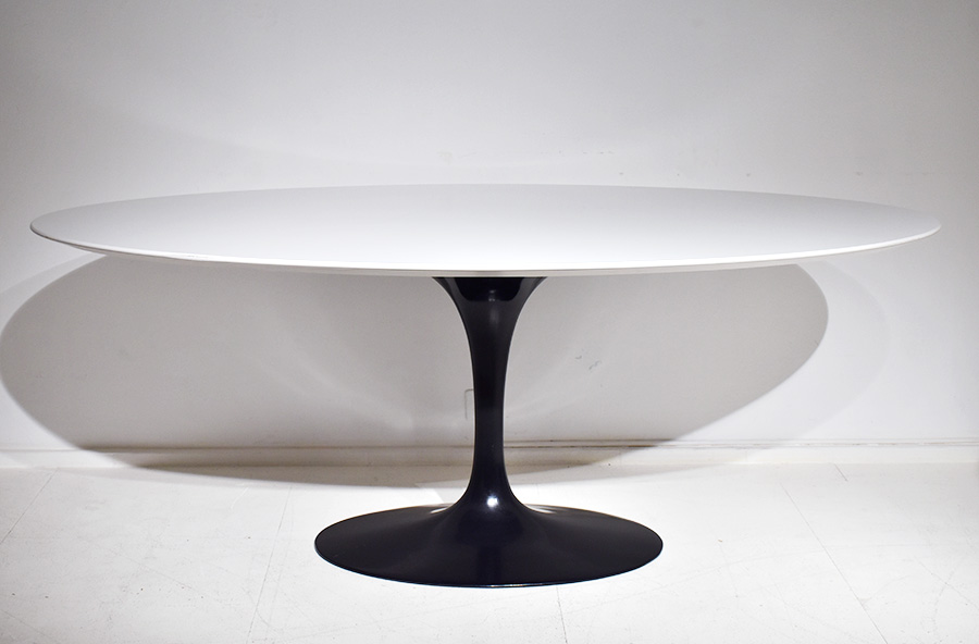 saarinen tulip tisch ovaler platte 198cm knoll vintage m bel schweiz. Black Bedroom Furniture Sets. Home Design Ideas