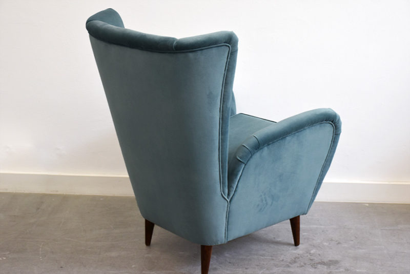 Vintage armchair in the manner of Paolo Buffa, Italian design from the 50's