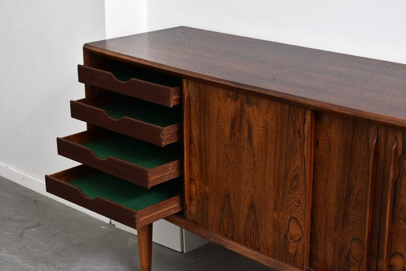Bow-front rosewood sideboard, design Arne Vodder, H.P. Hansen, ca. 1960.