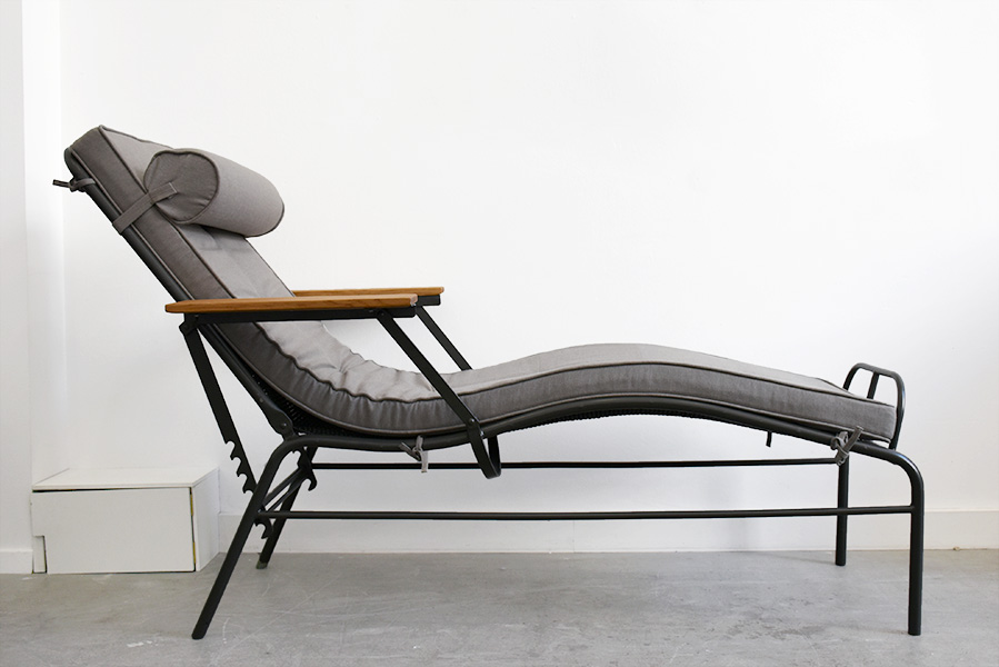 chaise longue martel de janville jean prouv lausanne. Black Bedroom Furniture Sets. Home Design Ideas