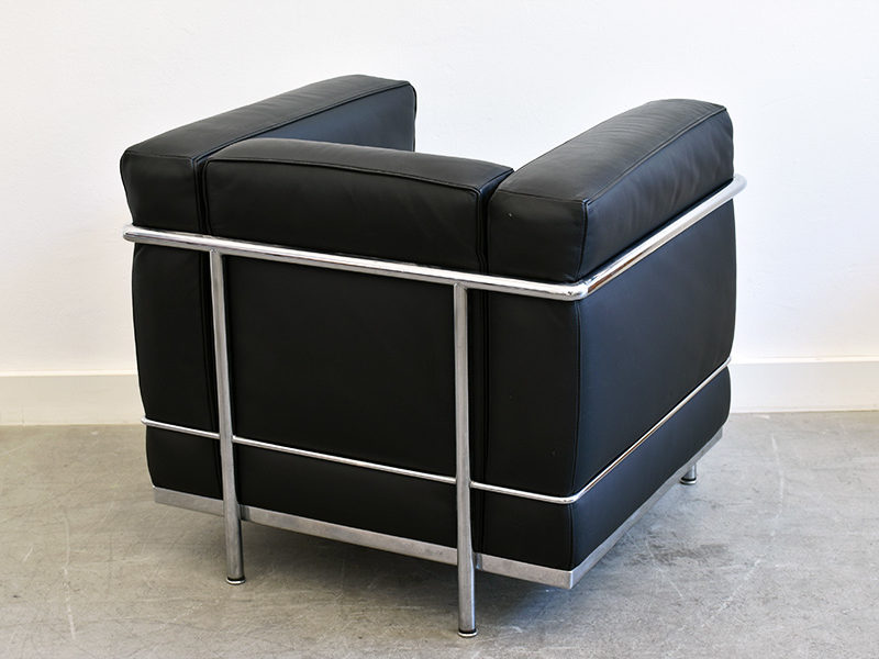 LC2 armchair, Le Corbusier, Cassina