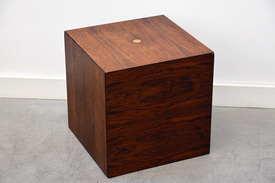 table magic puzzle cube design poul norreklit pedersen suisse. Black Bedroom Furniture Sets. Home Design Ideas
