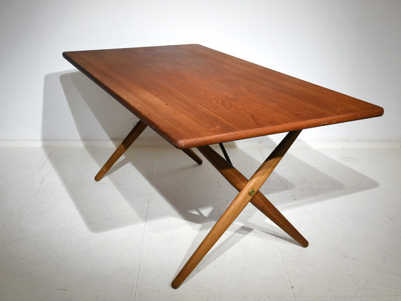 Hans Wegner, AT-303 table, Andreas Tuck
