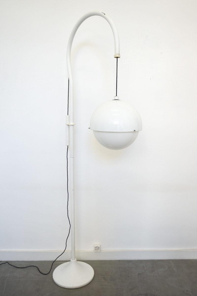 Kartell, Luigi Bandini Buti, lampadaire